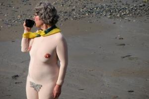 2006-09-17 - United Kingdom - England - London - London Beach - Woman - Nude